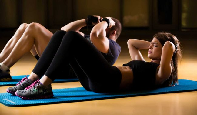 3 exercises to strengthen your abdominal muscles at home with steps