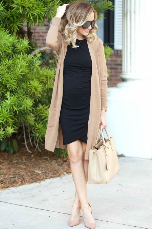 look with a distinctive bag and high heeled shoes